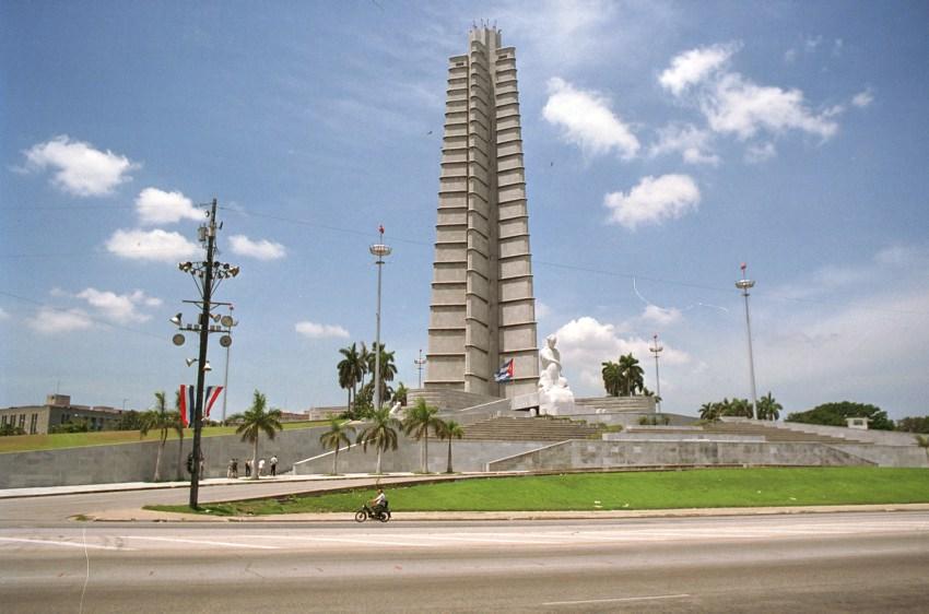 Der Plaza de la Revolucion mit dem Denkmal des Nationalhelden Jose Marti