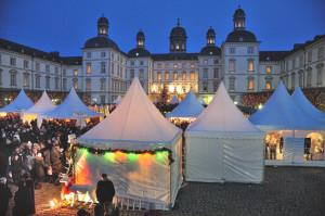 Weinachtsmarkt auf Schloss Bensberg