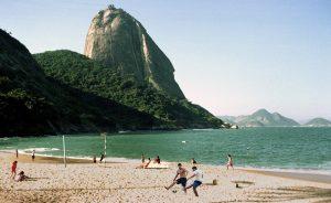 In Brasilien wird überall gekickt, auch im Schatten des Zuckerhutes