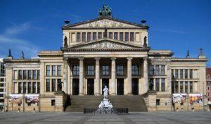 Berlin,_Mitte,_Gendarmenmarkt,_Konzerthaus_01