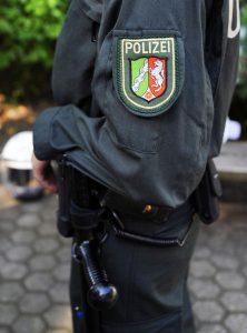 POLIZEI | POLICE |